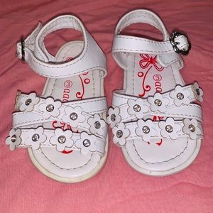 Aadi Little Girls White Sandals Size 3